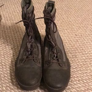 Men's Nike Jungle Boots! Only worn Once!